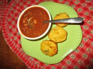 Grandnanny's Chili with jalapeno muffins