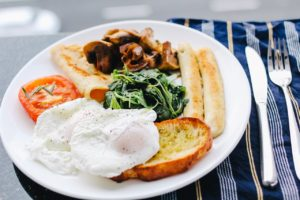 Intermittent fasting and a large breakfast plate