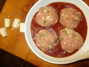 Meat za balls in pan with sauce