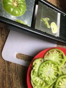 sliced green tomatoes for air fryer fried green tomatoes